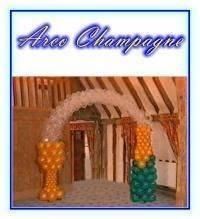 Arco Bottiglia Champagne e bicchiere